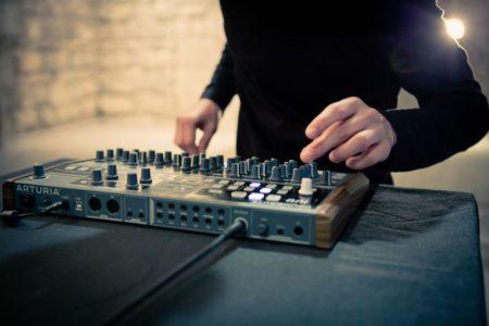 Arturia DrumBrute: drum machine 100% analógica